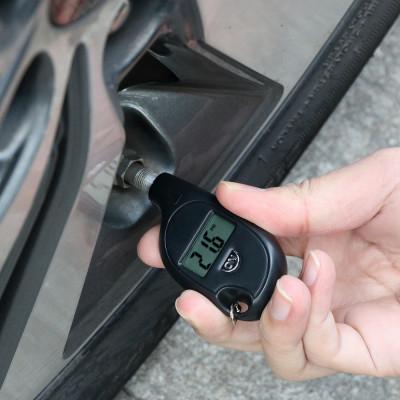 Портативный цифровой брелок-манометр для измерения давления в шинах